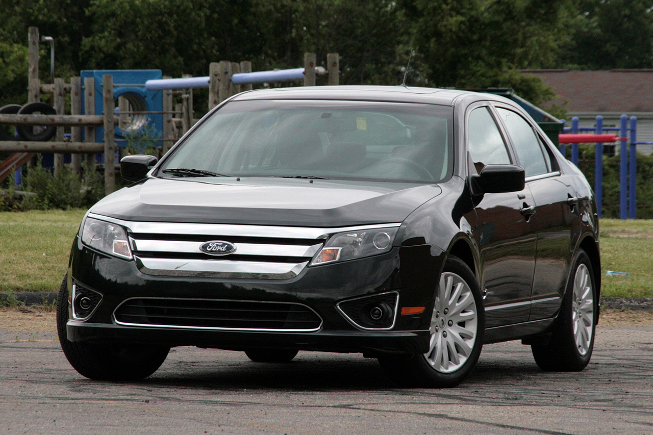 2010 ford fusion hybrid review